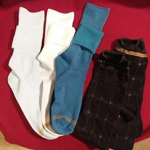 NWOT Gold Toe Youth socks size large